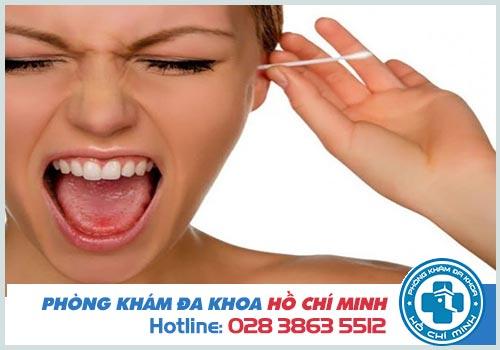 Bị chọc vào tai chảy máu nguy hiểm không?