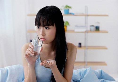 Bị rong kinh có nên uống cao ích mẫu?