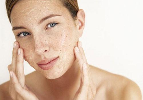 Cách nặn mụn đầu đen cứng đầu ở mũi không để lại sẹo