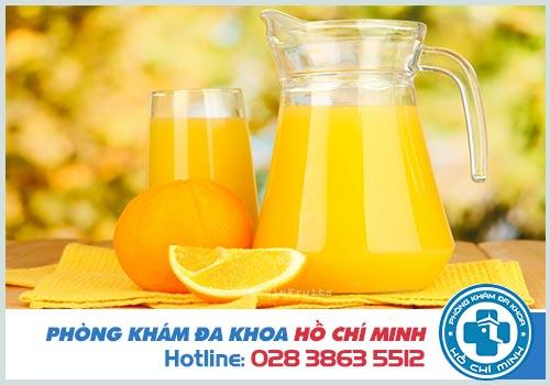 Có kinh nguyệt uống nước cam được không?