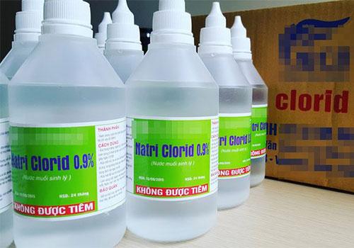 Tẩy nốt ruồi có được rửa nước muối không?