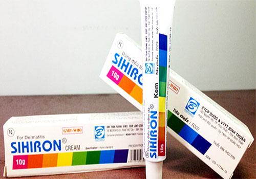 Thuốc 7 màu có chứa corticoid không?